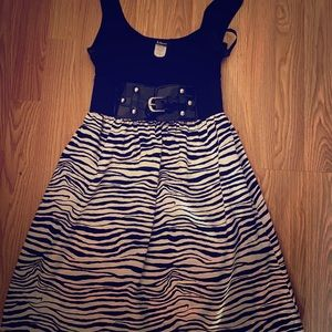 Juniors zebra sleeveless dress